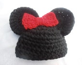 Mickey/Minnie  crochet  inspired : hat with bow clip,
