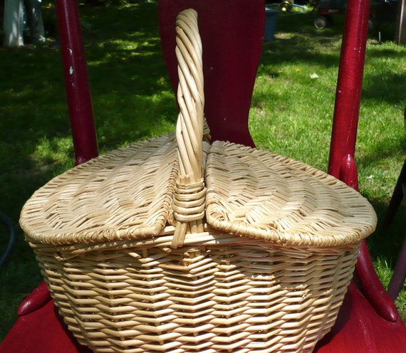 custom paint color choice picnic basket in by casakarmadecor