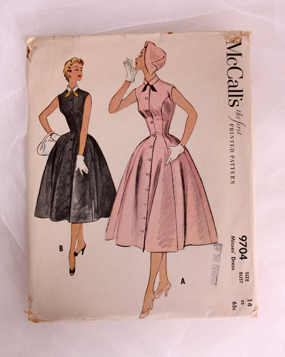 Vintage Circle Skirt Dress Pattern - Rockabilly 1954 Sleeveless Collared Dress Pattern - McCall's 9704