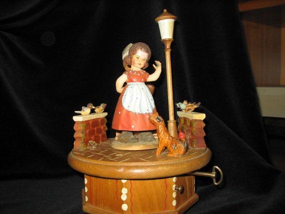 Lili Marlen, Anri, 28 note Thorens handcarved wooden music box