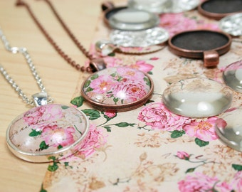 10 SETS Blank 1 inch Pendant Trays / Glass Dome Set -Round  Shiny Silver Plated or Antique Bezels Settings 25 mm Photos Charms