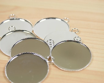 200 THIN Blank 1 inch Pendant Trays  -  Round  Shiny Silver Plated Bezel Settings 25 mm Photos Charms