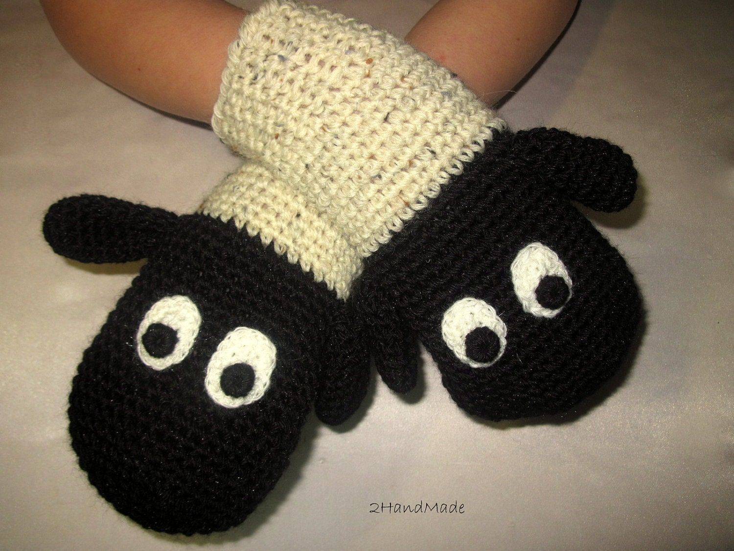 Funny Chunky Crochet Lamb Sheep Mittens Animal Puppet Unisex