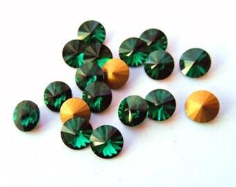 12 Swarovski 34ss Emerald Green Rivoli Rhinestones-bulk rhinestones-wholesale rhinestones-jewelry supplies-loose rhinestones Swarovski