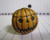 Jack-O-Lantern Wire Button Ring