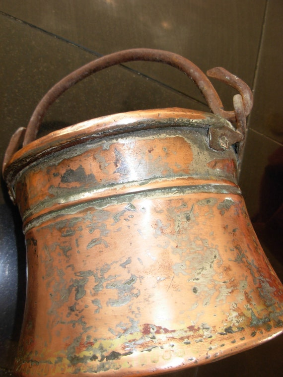 Antique French Copper Pot (Bell Shaped)
