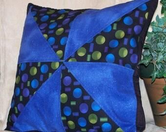 "14"" x 14"" Black and Blue Pinwheel Decorative Pillow Cover"