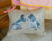 This burlap pillow is for Beagle Dog Lovers or those who just love adorable puppies