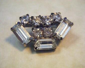 Brooch Vintage Rhinestone Pin