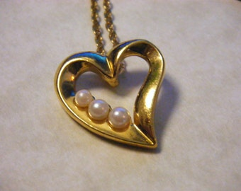 Heart and Pearls VALENTINE Vintage Necklace