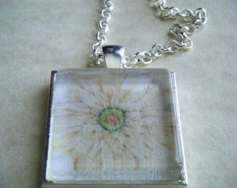 Flower Necklace Pendant with 24 Inch Chain