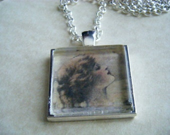 VICTORIAN WOMAN Necklace with Silver Tone Chain