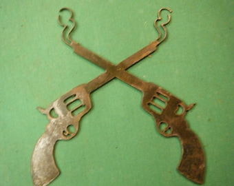 FREE SHIPPING Rusted Rustic Metal Cross Pistols Sign