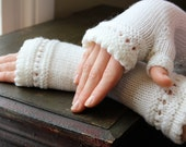 Knit Fingerless Gloves with Picot-Edging and Lace Bands White