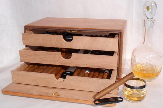 Small Humidor for True Cigar Enthusiast (with Extras)