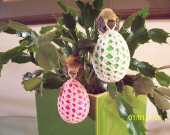 Pink/Pink or White/Green Pastel Crocheted Egg Ornament