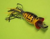 Flash Drive Fishing Lure 16 GB USB Thumb Drive - Yellow Coach Dog Flashy Fish Drive Fisherman Gift