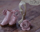 Pretty in Pink Pair 1 - Pearlized Pink - Handmade leather Boots and Accessory Set for Blythe