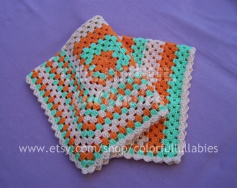 Asymmetrical granny square afghan crochet Pattern. Crochet baby blanket pattern. English & Spanish patterns for babies. Easy crochet pattern
