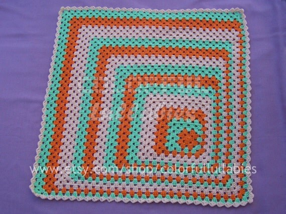 PDF Crochet Pattern. Asymmetrical granny square. Available in English and Spanish