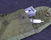 Vintage US army military first aid pouch - gadget bag - pouch