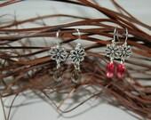 Simple Daisy Dangle Earrings