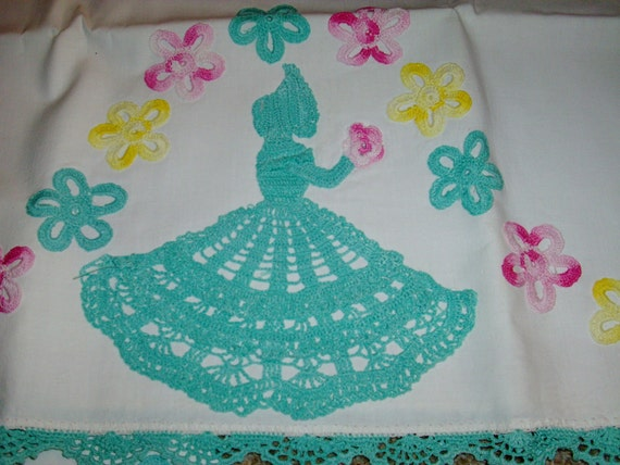 Brighten Up Your Bedroom For Spring Pillow Cases With Hand Crochet Edges And Crochet Southern Belle And Flowers Free Shipping