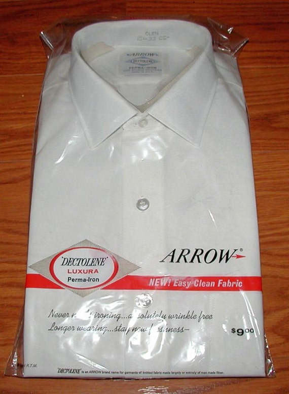 Vintage White ARROW Perma Press Shirt in Original Package - Size 15 / 33