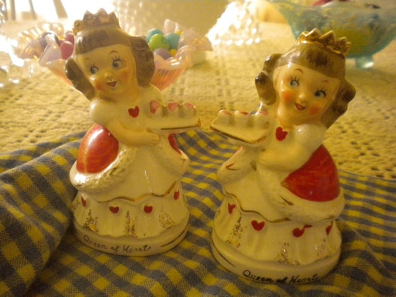 Rare Vintage Queen of Hearts Salt and Pepper Shakers,Eclectic