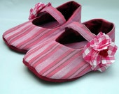 Eco-friendly baby / toddler pink stripes Mary Jane shoes with gingham flowers 12-18 months