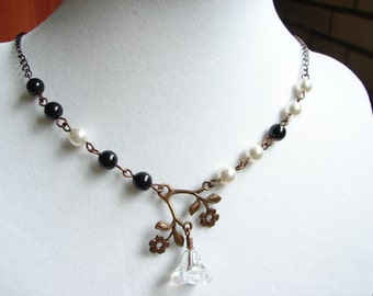 Black and White Flower Necklace, Glass Flower, Black Pearls, White Pearls, Vintage Flower filigree, Copper Chain, Nice Gift