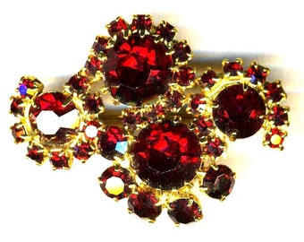Red 4 Flower Brooch    Item No: 14914