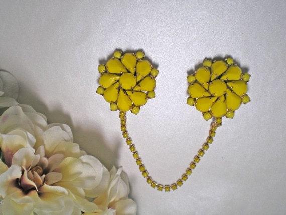 Yellow Rhinestone Flower Sweater Guard   Item No: 15304