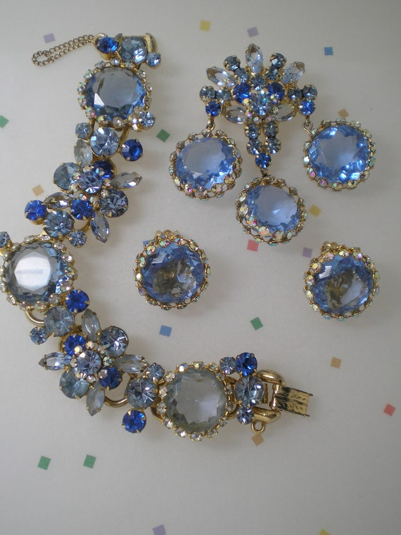 DeLizza and Elster aka Juliana Blue Caged Demi Parure   Item 15109