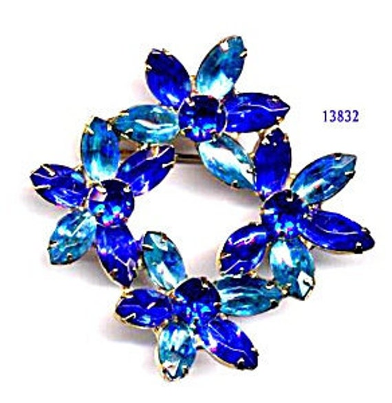 Brooch 4 Multi Blue Flowers   Item No: 13832