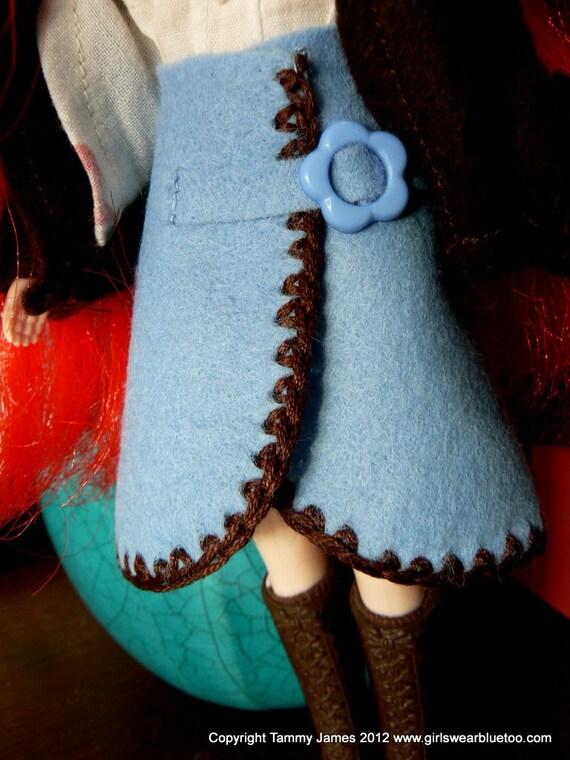 Blue felt skirt Blythe Doll skirt with Crochet trim.