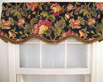Countess French Pleated Shaped Ruffle Valance in black