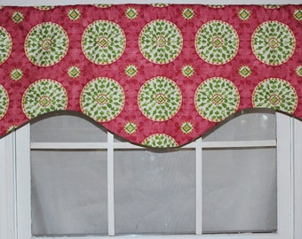 Suzanni Medallion Shaped Valance