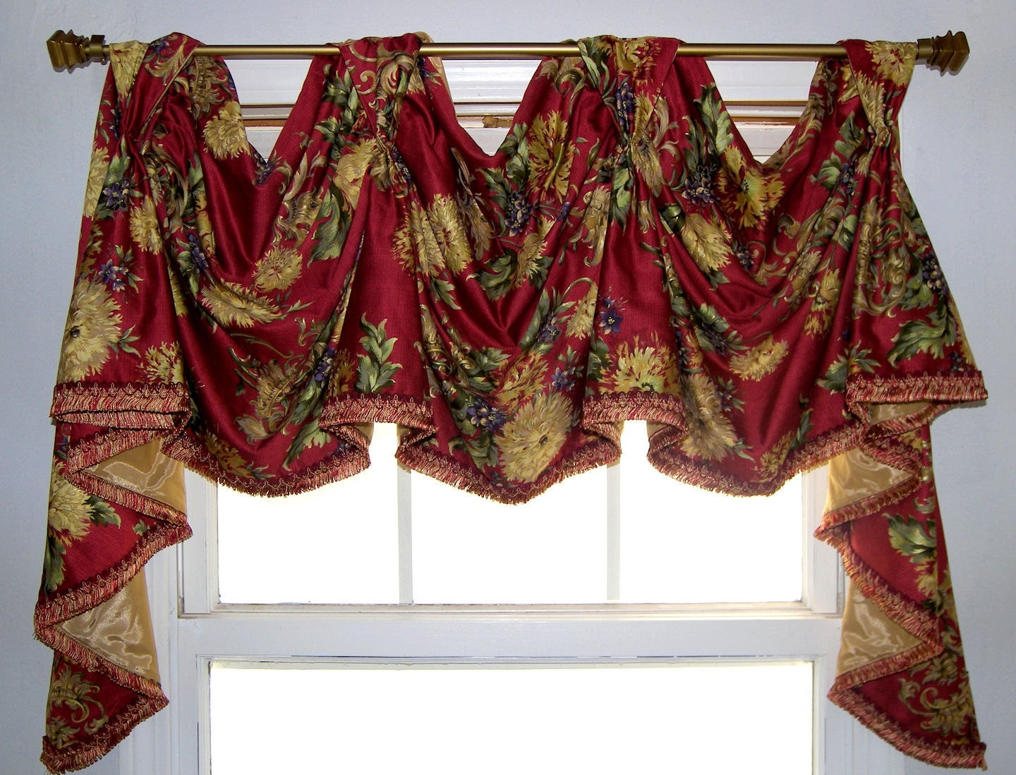 Forte Red Floral Trimmed Victory Swag Window Treatment