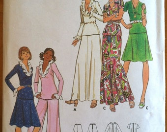 DISCOUNTED 1970's Butterick Women's Blouse, Skirt, and Pants Pattern - Bust 34 - no. 3142