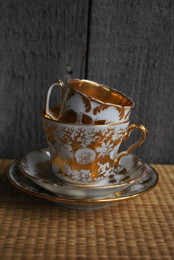RESERVED LISTING - vintage gilt tea cups and saucers