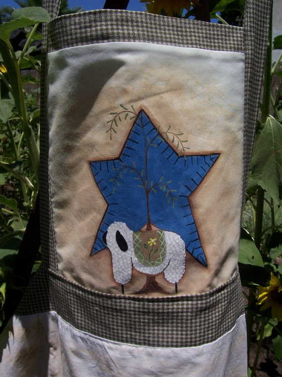 Primitive - Apron - Full - Womens - Hand Painted - Sheep - Star- Two Pockets