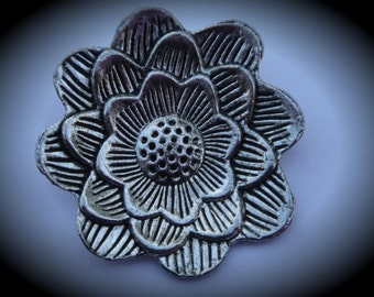 Silver Plated Flower Metal Pendant