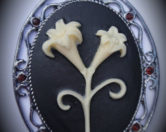 Flowers Gunmetal Cameo Pendant With Crystals