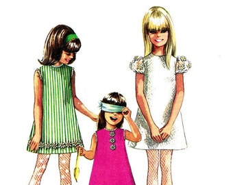 Simplicity 7567 Vintage 60s Very Hip, Very MOD Sun or Party DRESS and Shorts Sewing Pattern Size 8 B26