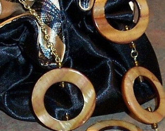 Brown Shell Circles Necklace