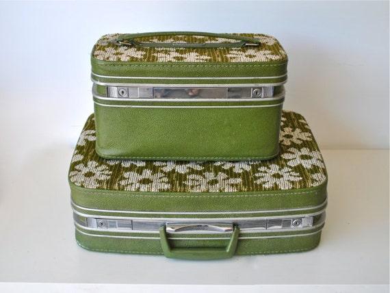 Green vintage luggage Set - Retro Avocado Green Tapestry Luggage