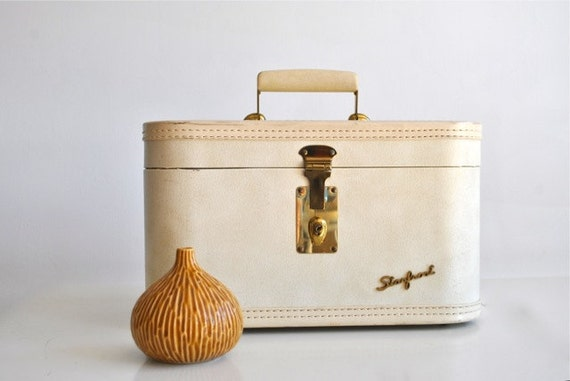 Ivory Train Case with mirror, cream or off white