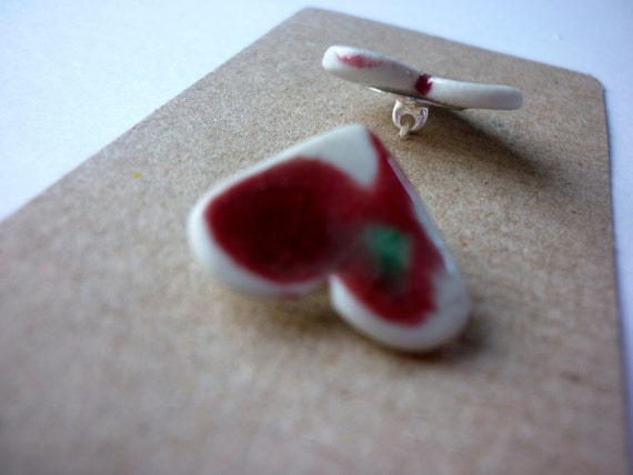 Ceramic Buttons: Peach Bloom Red Ceramic Heart Buttons on shanks.