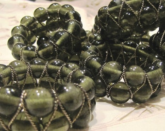 SALE HALF PRICE  Vintage Glass Bead Napkin Rings  Set of 8